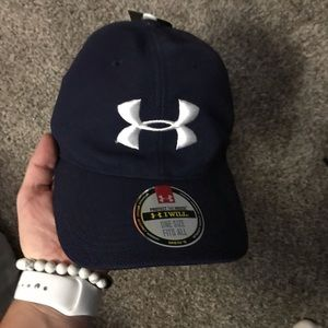 Navy Under Armour fitted hat NWT